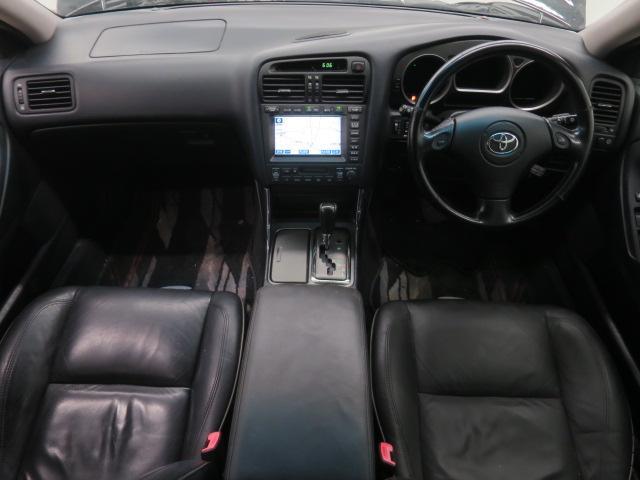 黒本革シート・ブラックイカリングHIDヘッドライト・フルエアロ・TEIN車高調・19インチAW・リアスポ・シートヒーター・クルコン・エアピュリ・ナビ・ETC等、装備多彩なV300ベルテックスEDです