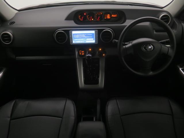 スマートキー・新品フルエアロ・新品18インチAW・新品タイヤ・ルーフスポイラー・新品黒本革調シート・ブラックインテリア・SDナビ・Bカメラ・地デジ・ブルートゥース・ETC等、装備多彩な後期型1.5G!