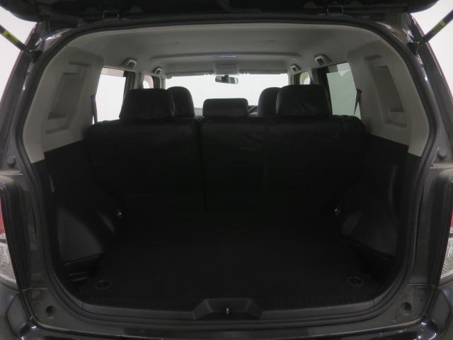 大容量のラケッジスペース!!さらに後席可倒式で、より沢山の荷物を積み込む事が可能です!!