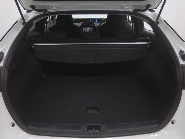 大容量のラケッジスペースは502L!ゴルフバッグを4つ収納可能で、沢山の荷物を積み込む事が可能です!!リヤシート格納時はさらに拡大します!!