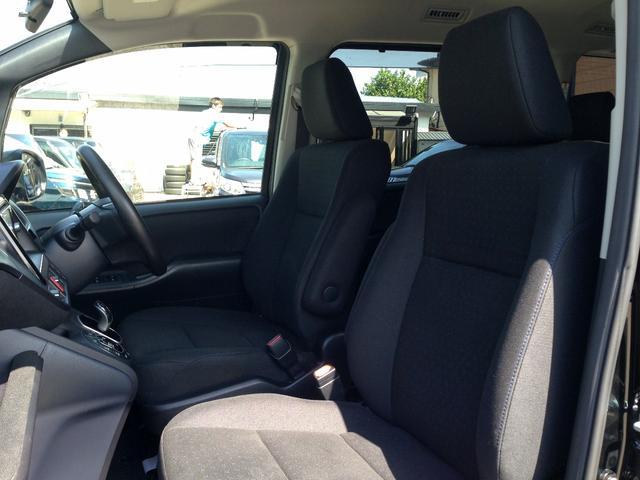 トヨタ ヴォクシー ハイブリッドV ツインモニタークルコン電動ドア1オナ3年保証
