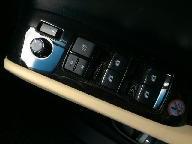 2.5X プリクラッシュWモニター両電動Dレーダークルーズ車線逸脱警報コンセント8人乗り(36枚目)