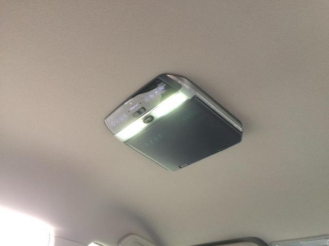 LEDルームランプ搭載・フリップダウンモニター搭載で、後部座席にお座りの方も、TVやDVDが見れて、ロングドライブも快適です!