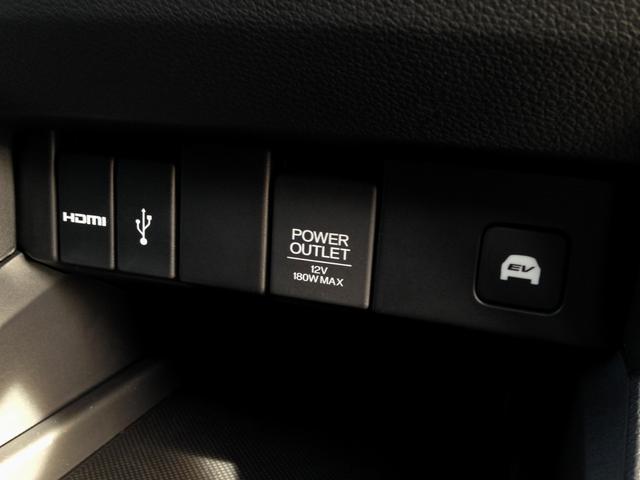 HDMI出力端子&USB端子&EV走行スイッチ!