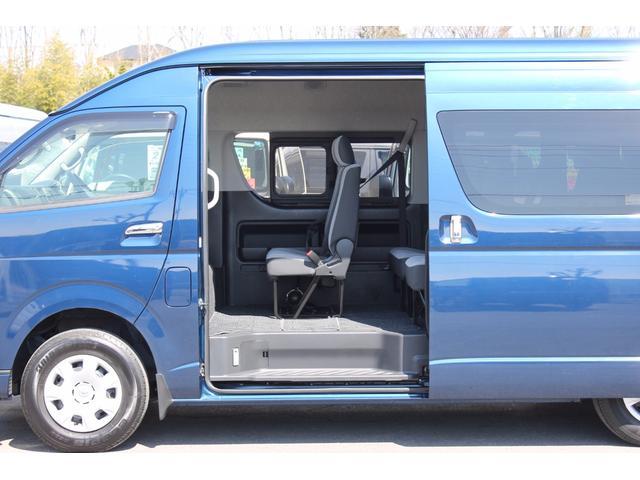 トヨタ ハイエースコミューター 2.7GL 4WD 電動スライドドア 6速AT 14人乗り