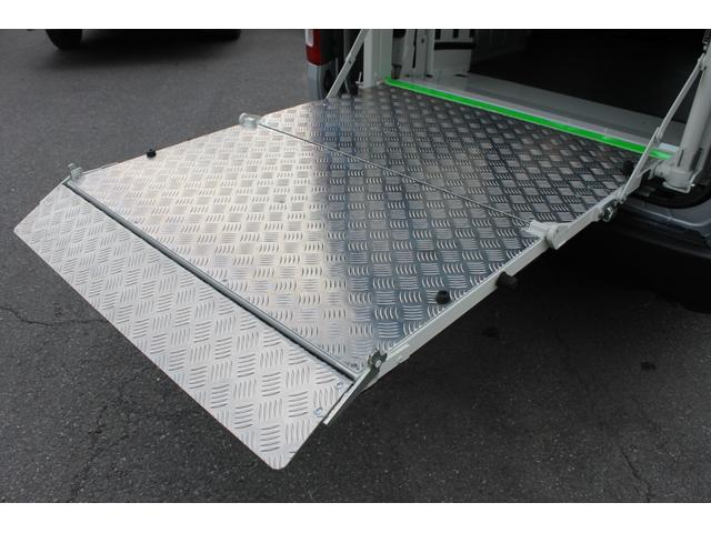 プラットホームの寸法は、全長:1360mm(フラット部1200mm+テーパー部160mm)/幅:1005mmです。