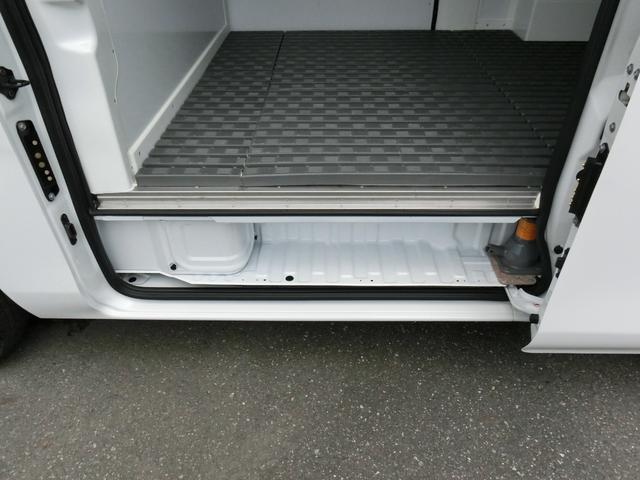 中温冷凍バン 最低設定-5℃ ディーゼルターボ 8ナンバー 冷蔵冷凍車登録 アラウンドビューモニター(14枚目)