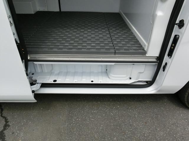 中温冷凍バン 最低設定-5℃ ディーゼルターボ 8ナンバー 冷蔵冷凍車登録 アラウンドビューモニター(15枚目)