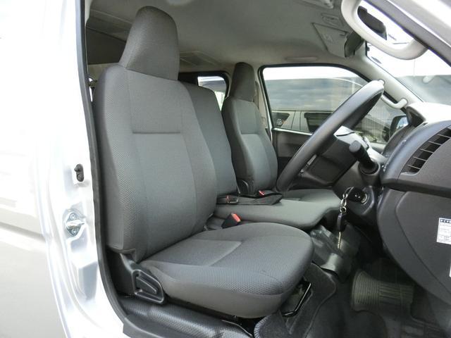 DX GLパッケージ 4WD ディーゼルターボ トヨタセーフティセンス Wエアコン 寒冷地仕様 9人乗り(9枚目)