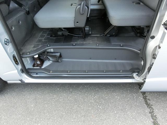 DX GLパッケージ 4WD ディーゼルターボ トヨタセーフティセンス Wエアコン 寒冷地仕様 9人乗り(35枚目)