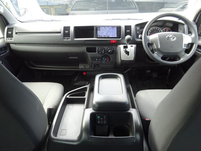 DX 4WD パワースライドドア 純正ナビ バックカメラ ETC 後席モニター 10人乗り(5枚目)