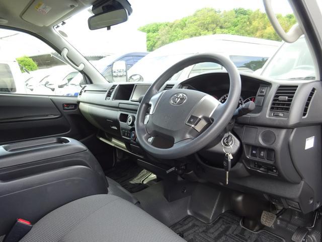 DX 4WD パワースライドドア 純正ナビ バックカメラ ETC 後席モニター 10人乗り(42枚目)