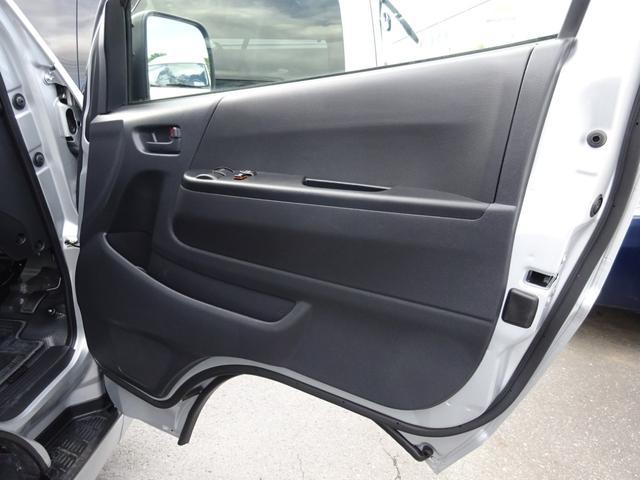 DX 4WD パワースライドドア 純正ナビ バックカメラ ETC 後席モニター 10人乗り(43枚目)