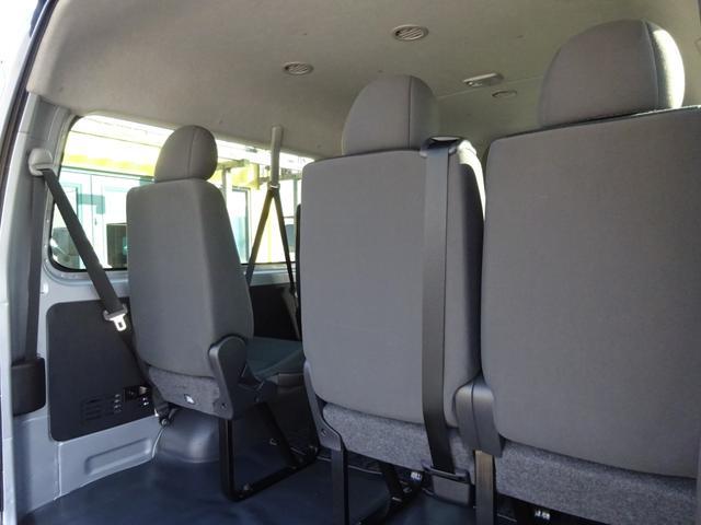 DX 4WD パワースライドドア 純正ナビ バックカメラ ETC 後席モニター 10人乗り(65枚目)