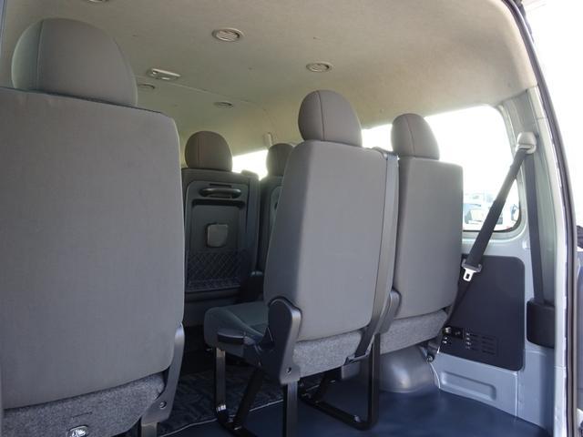 DX 4WD パワースライドドア 純正ナビ バックカメラ ETC 後席モニター 10人乗り(66枚目)