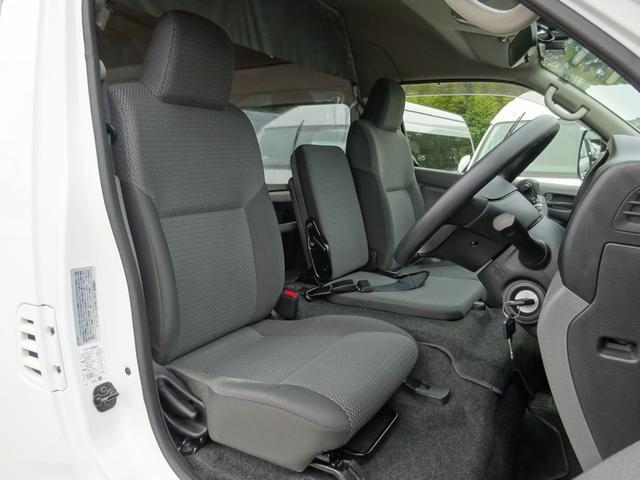 スーパーロングワイドDXターボ 4WD ディーゼル車 和光工業リフト付 最大昇降能力350kg エマージェンシーブレーキ 純正ナビ バックカメラ ETC2.0(13枚目)