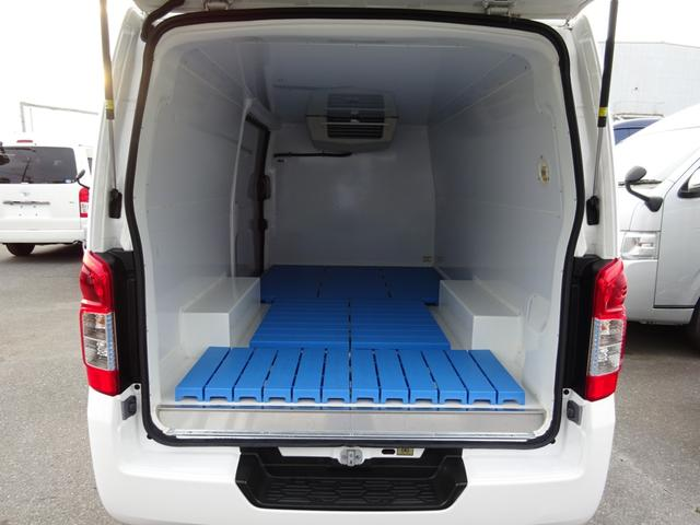 クールバン 最低設定温度5℃ 4WD ディーゼルターボ 寒冷地仕様 8ナンバー(冷蔵冷凍車)(4枚目)