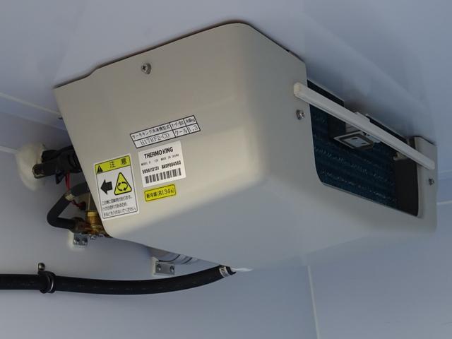 クールバン 最低設定温度5℃ 4WD ディーゼルターボ 寒冷地仕様 8ナンバー(冷蔵冷凍車)(5枚目)