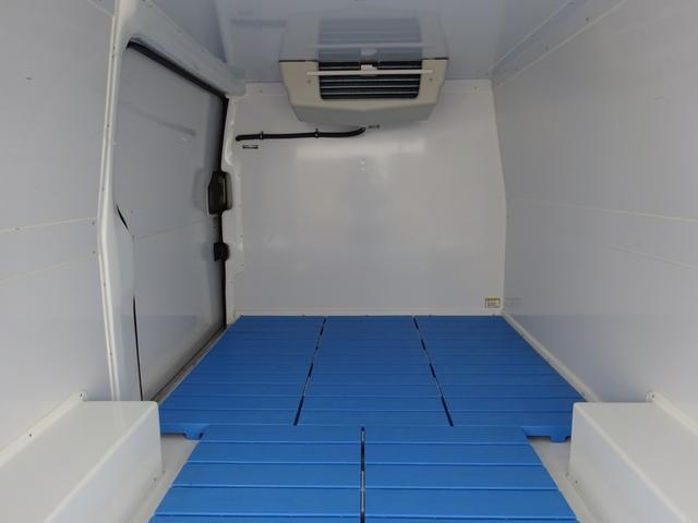 クールバン 最低設定温度5℃ 4WD ディーゼルターボ 寒冷地仕様 8ナンバー(冷蔵冷凍車)(11枚目)