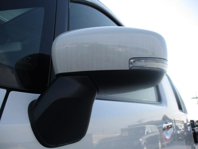 【サイドターンランプ付ドアミラー】おしゃれな車の必須装備!ドアミラーにウインカーが付いているので視認性もアップ!!