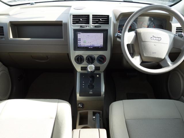 スポーツ 4WD HDDナビ フルセグ地デジ サイドカメラ DVD再生 ミュージックサーバー キーレス フォグHID 社外アルミ ルーフレールレス(7枚目)
