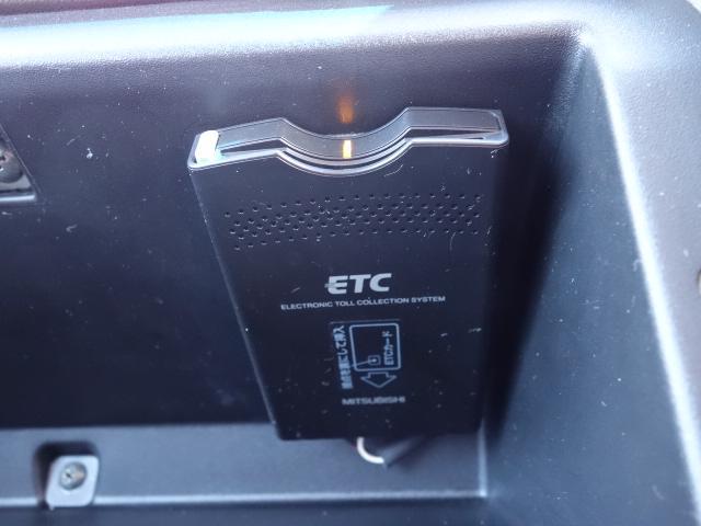アクティブフィールドエディション 純正HDDナビ バックモニター ETC キーレス ハーフレザーシート シートヒーター パワーシート 純正アルミホイール 3列シート ヘッドレスト有 サイドステップ 背面カバー(16枚目)