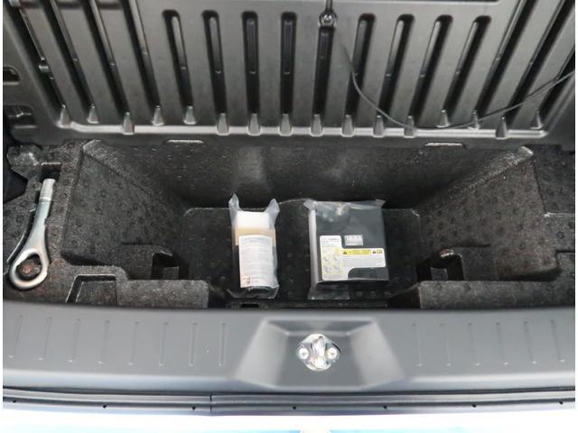 【パンク修理キット】車の軽量化や無駄を無くす為、この頃の車は応急タイヤパンクキットが搭載されています