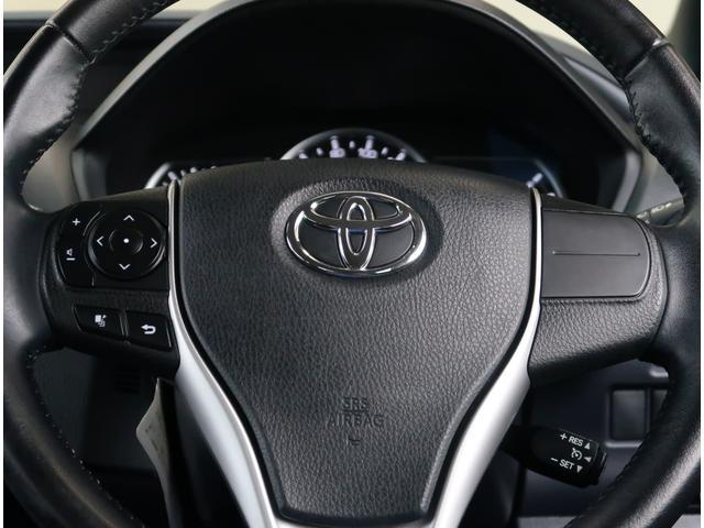 【ステアリングスイッチ】運転しながら各種操作が可能な画期的装備!とっても便利ですよ。