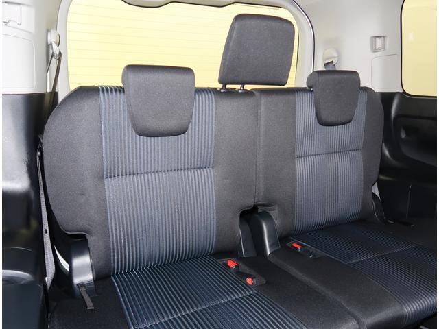 【サードシート】3人掛け跳ね上げタイプのシートです
