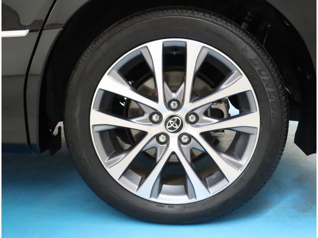【純正18インチ】タイヤの残り溝もしっかり残っております。ご納車前に点検・空気圧調整もさせて頂きますので、ご安心下さい。