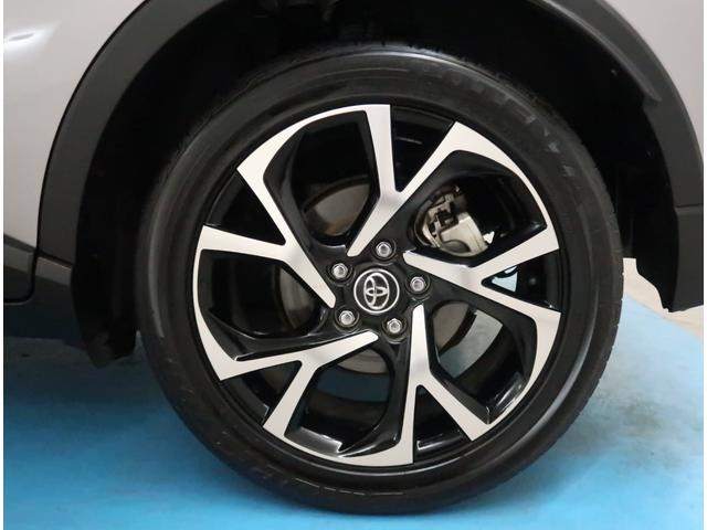 【純正18インチアルミ】タイヤの残り溝もしっかり残っております。ご納車前に点検・空気圧調整もさせて頂きますので、ご安心下さい。