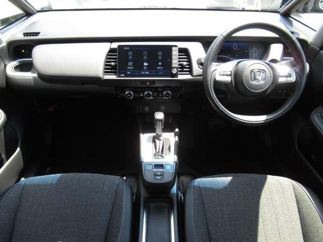 e:HEVホーム 当社試乗車 純正9インチナビ Bluetooth ETC(11枚目)