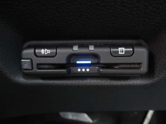 e:HEVホーム 当社試乗車 純正9インチナビ Bluetooth ETC(12枚目)