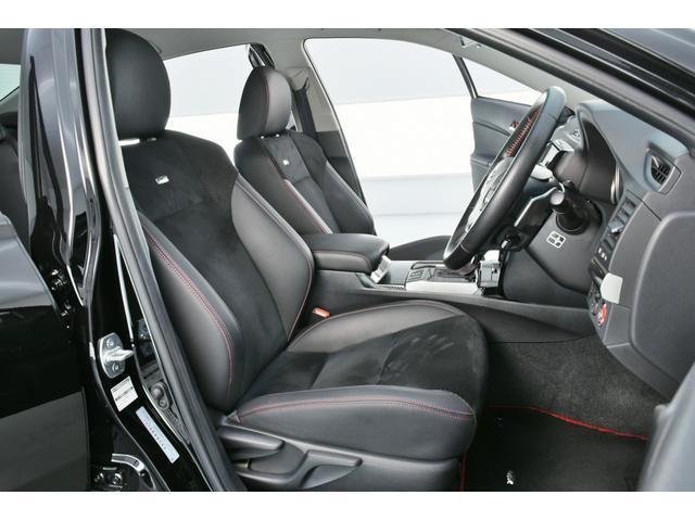 使用感が出やすいとされる運転席も、ほとんどダメージもなく、非常にきれいな状態です♪