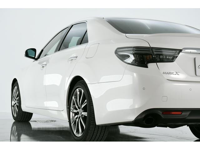 目立ったキズもなく、きれいなお車ですので、現車のご確認が頂けないお客様へも自信をもっておすすめさせて頂ける1台です!!