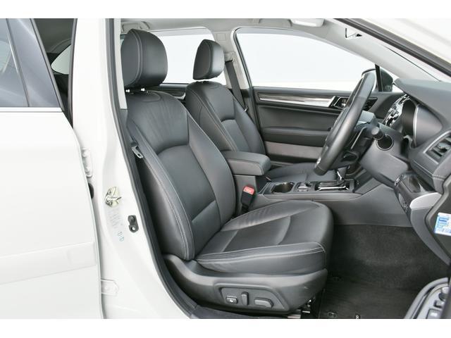 高級感のあるブラック革シート!電動シートにシートメモリー、シートヒーターと装備も充実◎高級感溢れる大人の空間です◎
