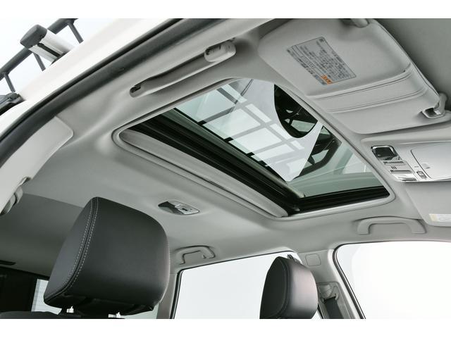 追加オプション装備のサンルーフも装着されております!解放感あふれる空間で気持ちよくドライブ♪