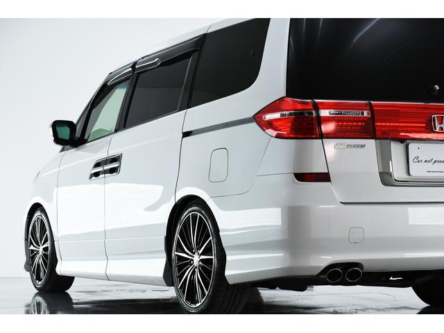 大きい車体は洗車が大変そう・・・。そんなお客様の為にガラスコーティング加工プランのご用意もございます!