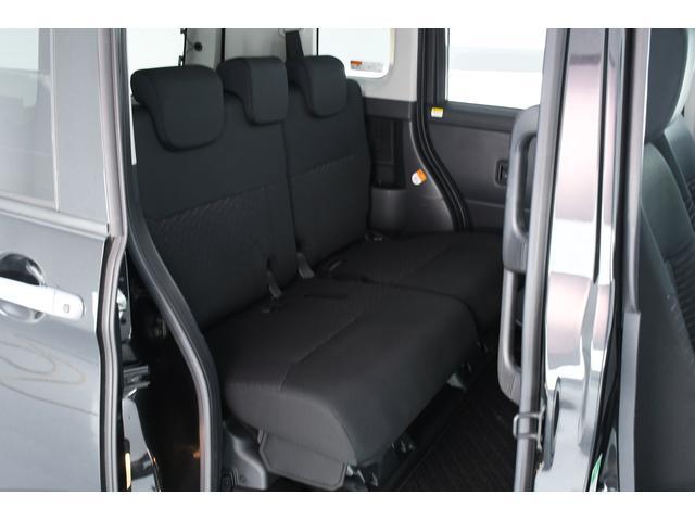室内はコンパクトカーとは思えないほどの空間が!!軽自動車とはやっぱり違いますね♪