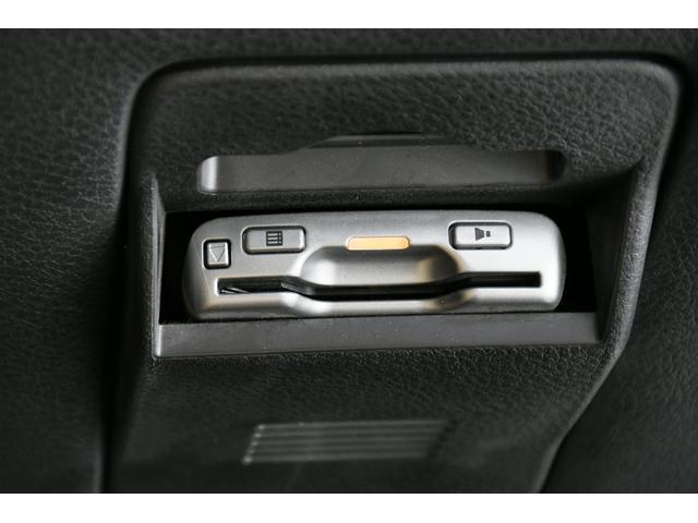 エアブレイク 4WD ガラスルーフ 半革 純ナビBカメラHIDライト(17枚目)