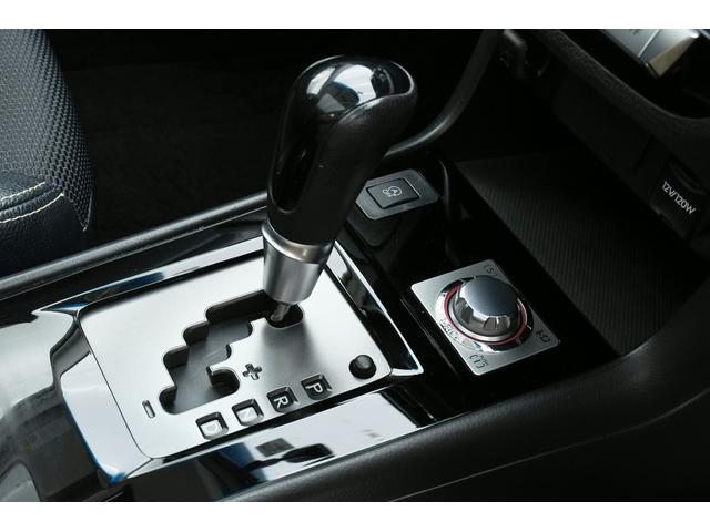 エアブレイク 4WD ガラスルーフ 半革 純ナビBカメラHIDライト(22枚目)