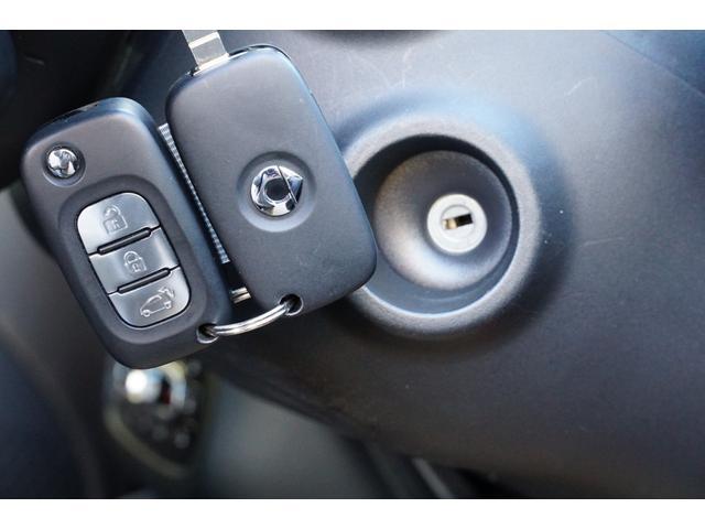 パッション 除菌済み ワンオーナー 衝突被害軽減システム クルーズコントロール シートヒーター 純正オーディオ ブルートゥース AUX USB キーレス 純正アルミ(19枚目)