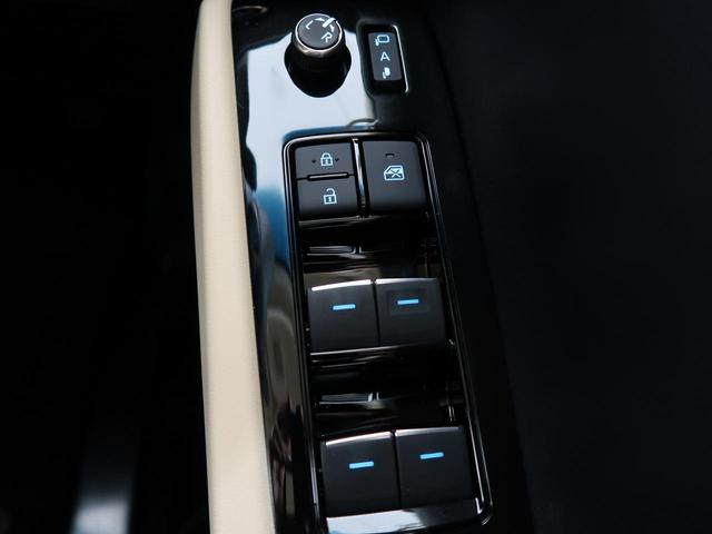 2.5X 登録済未使用車 トヨタセーフティセンス レーダークルーズ 両側電動ドア 100V電源 ベージュ内装 LEDヘッド バックカメラ 純正16アルミ スマートキー オートライト 8人乗り(40枚目)