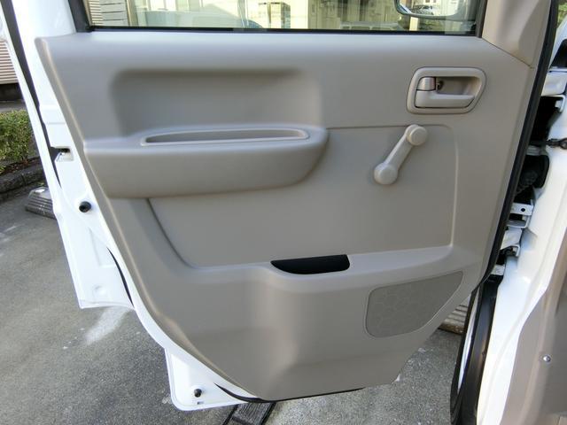 助手席側のドアトリムも、運転席側同様に、大変綺麗な状態です!