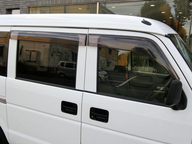 ドアバイザーも装着されており、雨の日の換気時に大変便利です!