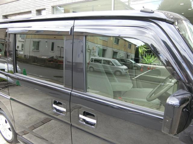 ドアバイザーも装着されており、雨の日の換気も安心です!