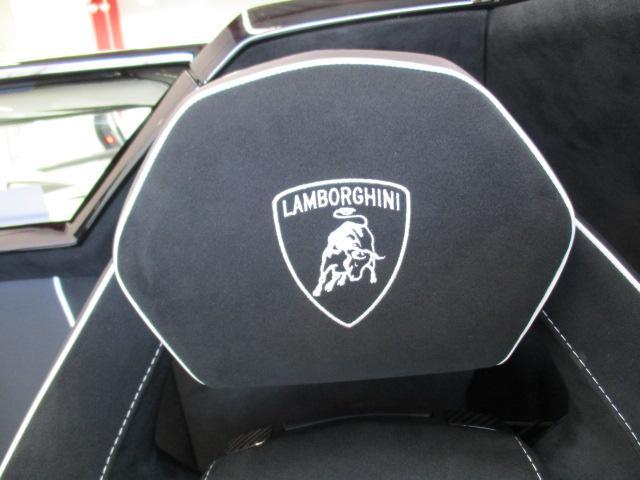 ランボルギーニ ランボルギーニ アヴェンタドール LP 750-4 スーパーヴェローチェロードスター