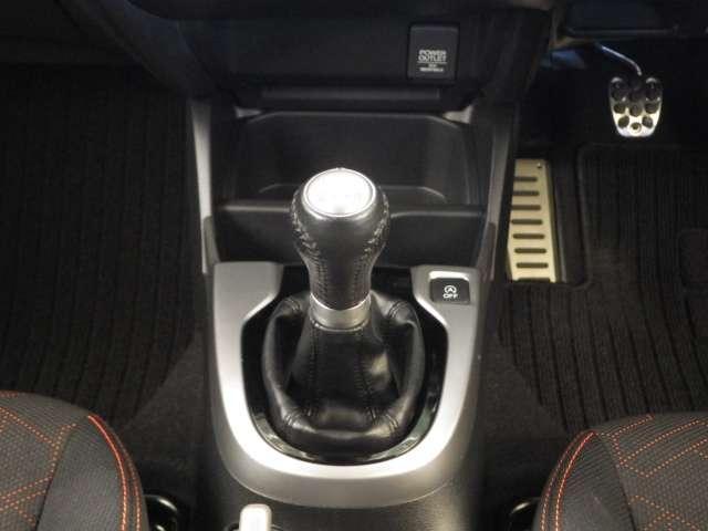 ホンダ フィット RS オ-ディオレス車 社外マフラ-