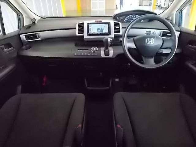 お車のクリーニングは、1台1台丁寧に内外装を仕上げております!!内装から、ボディ・エンジンルームにいたるまで、ピカピカですよ♪是非、実車でご確認ください!