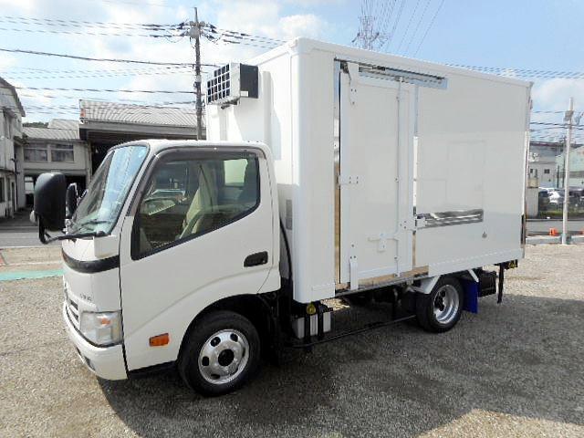 中温冷凍車ー7℃ 1.35t10尺 オートマ車 ワンオーナー(2枚目)